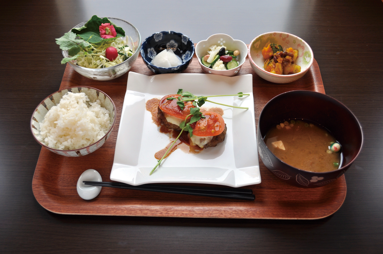 Cafe & Lunch Reve